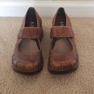 Vintage distressed platform shoes